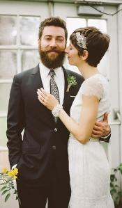 Uomo con la barba si sposa